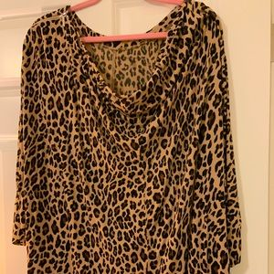 Leopard Tunic w/ zipper shoulders! Beautiful!